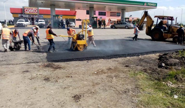 Continúa el Bacheo en Calles y Carreteras en Almoloya de Juárez