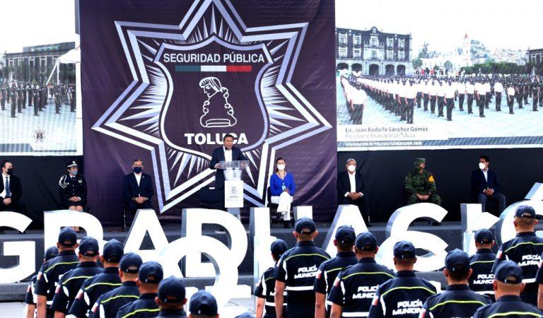 En Toluca se gradúan 400 policías y ya operan 2 mil 500 elementos