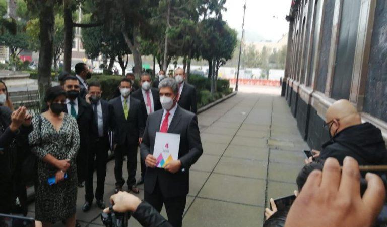 Ernesto Nemer Álvarez entrega a la Legislatura mexiquense 4º Informe de Gobierno de Del Mazo Maza